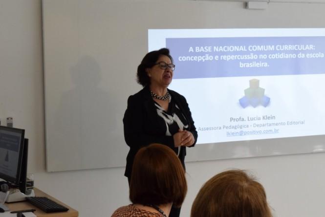 Profª Lucia Klein, Assessora Pedagógica da Editora Positivo