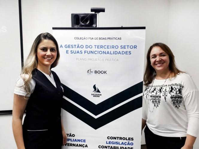 À direita, Ana Carlota Vieira Niero, gerente da ACF, com a representante da FSA.