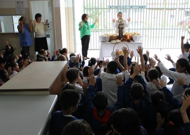 Celebração Dia de Santo Antonio - Colégio Franciscano Santa Isabel
